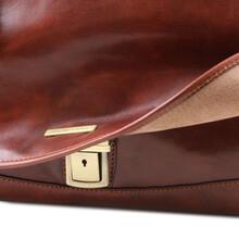 Servieta din piele naturala Tuscany Leather, maro inchis, MantovaS